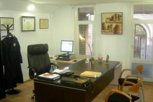 Abogados en sabadell 15 a os de experiencia teva mont advocats for Muebles para despacho de abogados